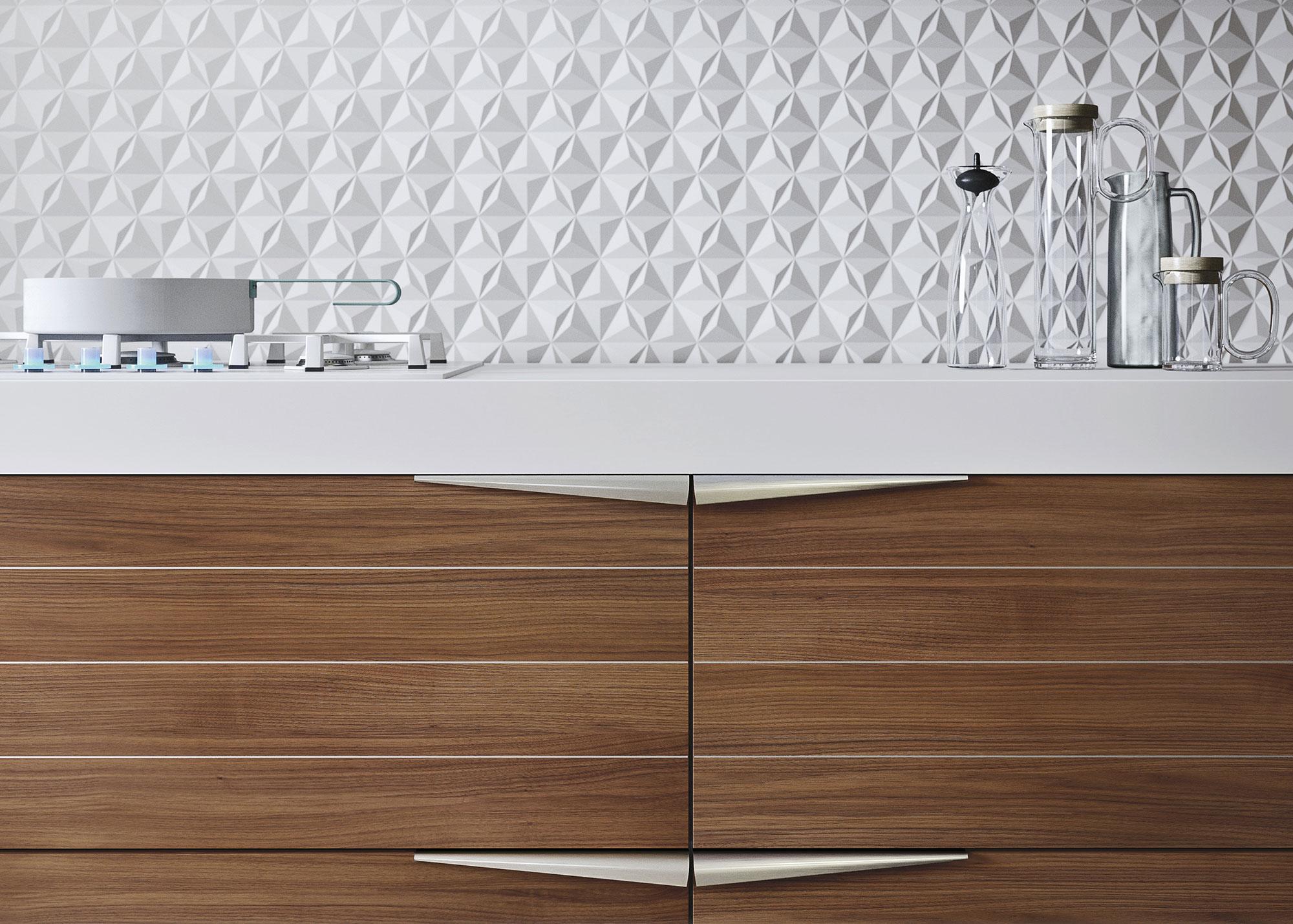 Современный дизайн кухонного гарнитура: ручки в виде треугольников