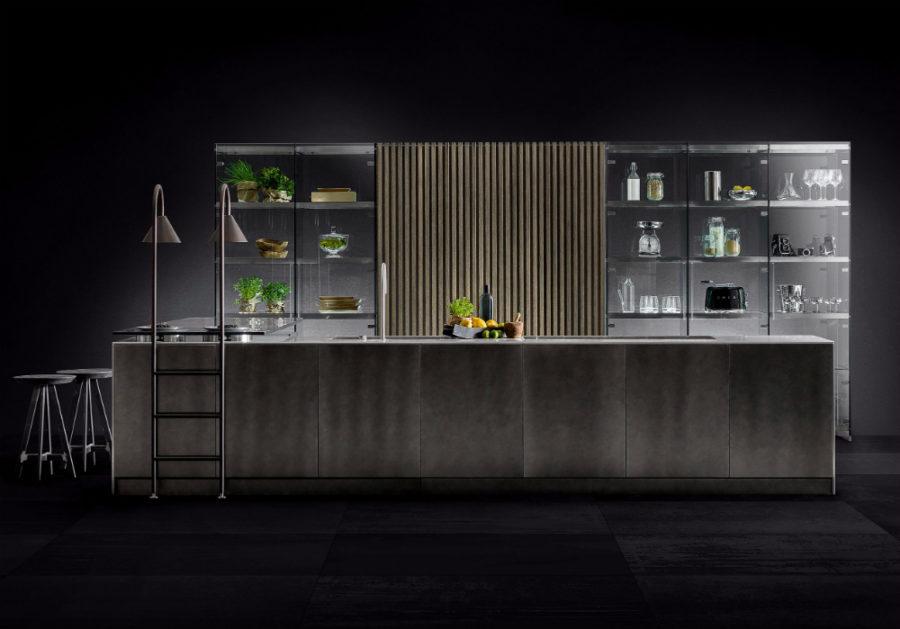 Современные дизайнерские кухни у вас дома - стеклянный пенал от TM Italia Cucine