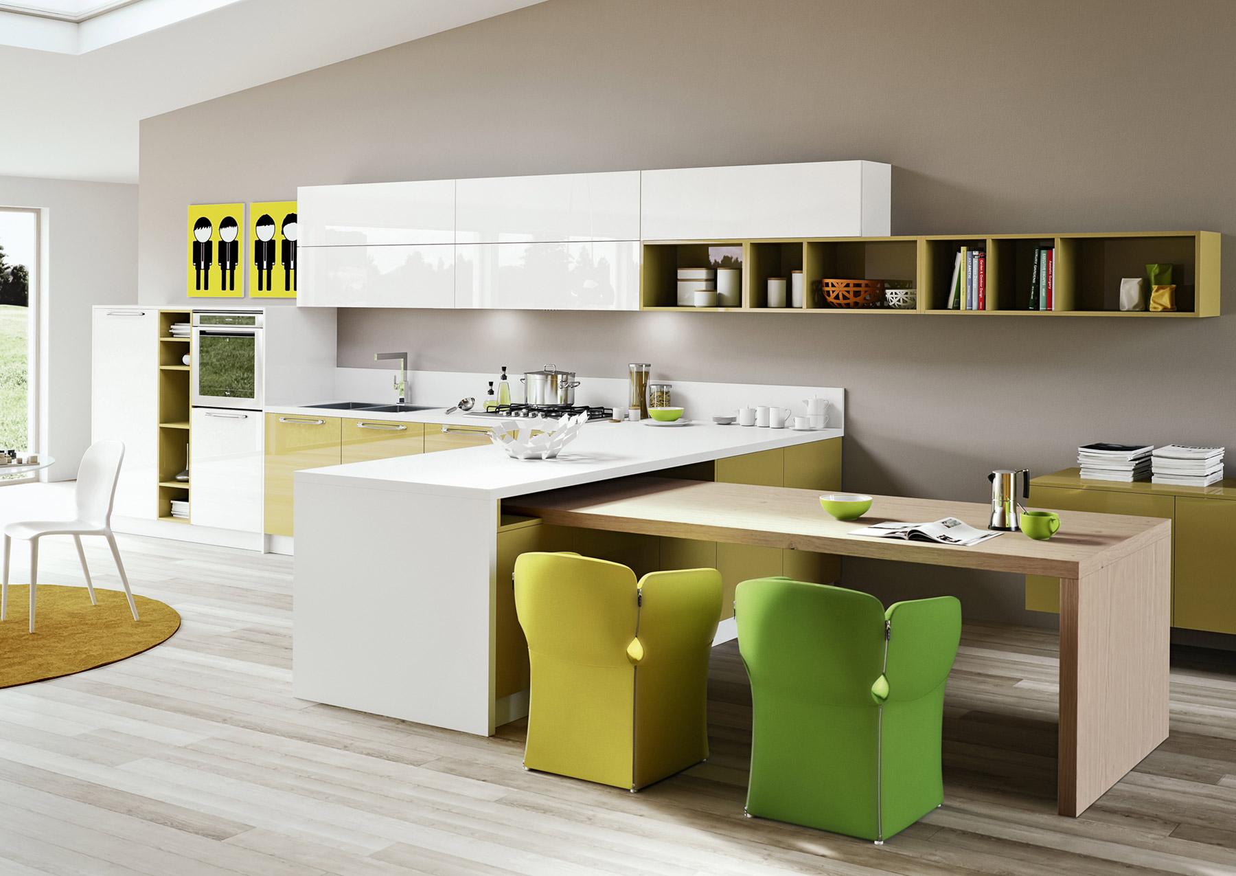 Оригинальные яркие кресла в интерьере кухни