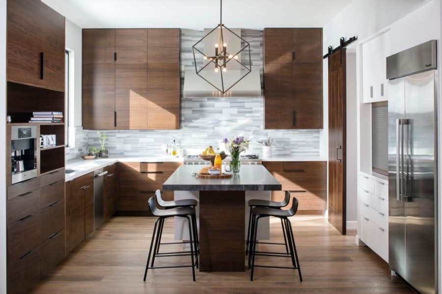 Современные тенденции в дизайне кухни в вашем доме -  паркет в интерьере
