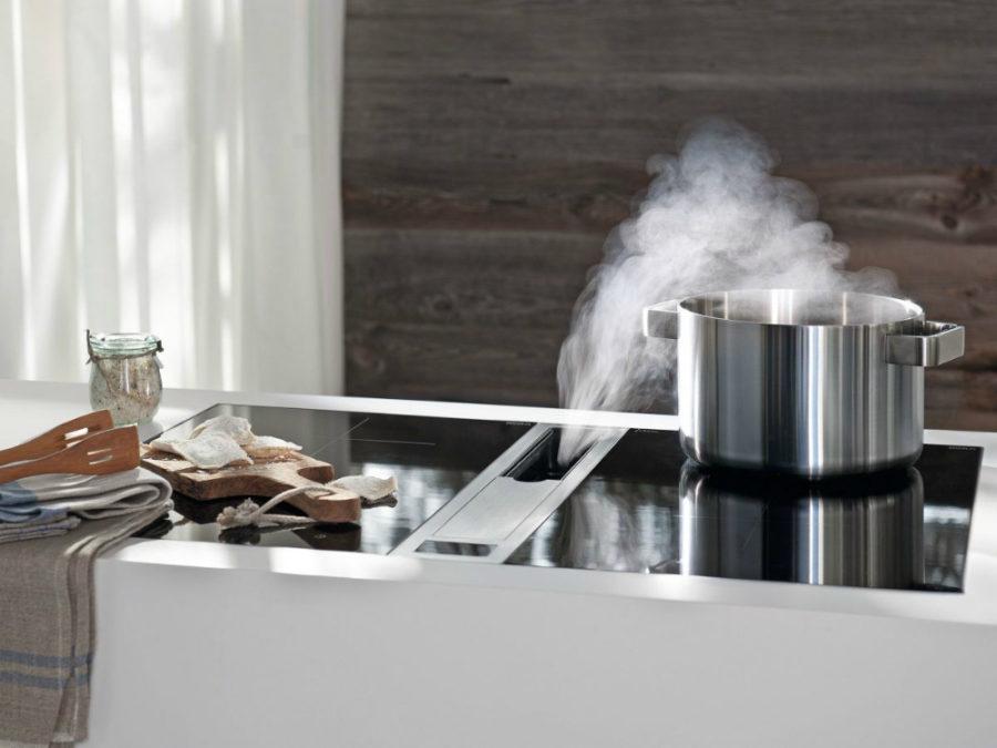 Современные тенденции в дизайне кухни в вашем доме - вытяжка вмонтирована в стол