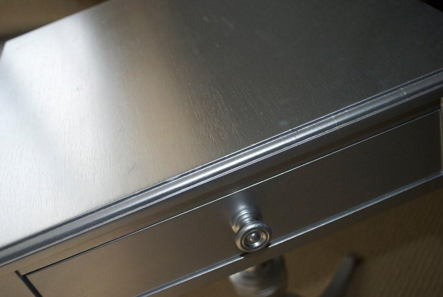 Мебель, окрашенная под нержавеющую сталь
