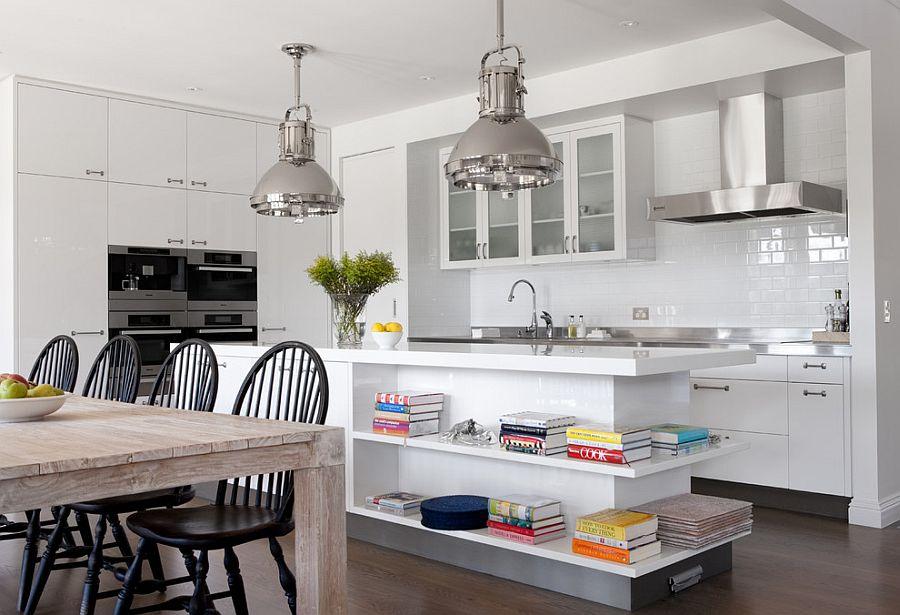 Стильный кухонный остров с открытыми полками в интерьере - Фото 1