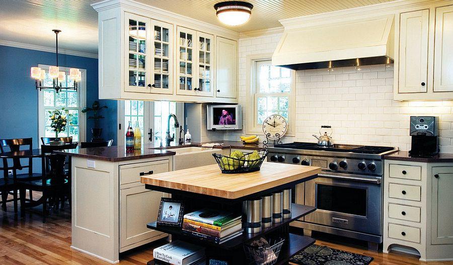 Стильный кухонный остров с открытыми полками в интерьере - Фото 30