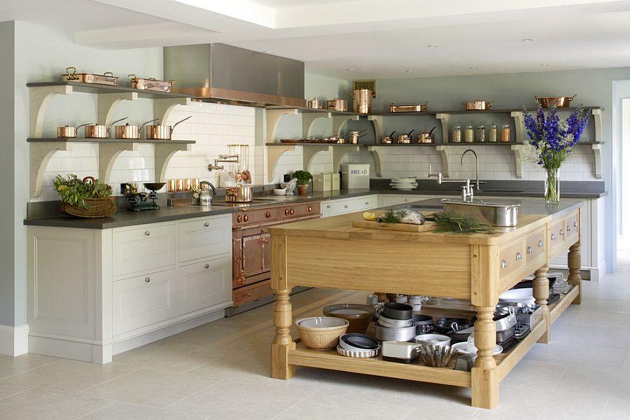 Стильный кухонный остров с открытыми полками в интерьере - Фото 34