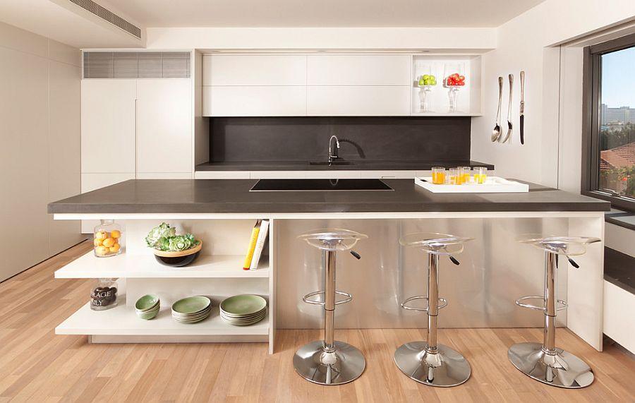 Стильный кухонный остров с открытыми полками в интерьере - Фото 15