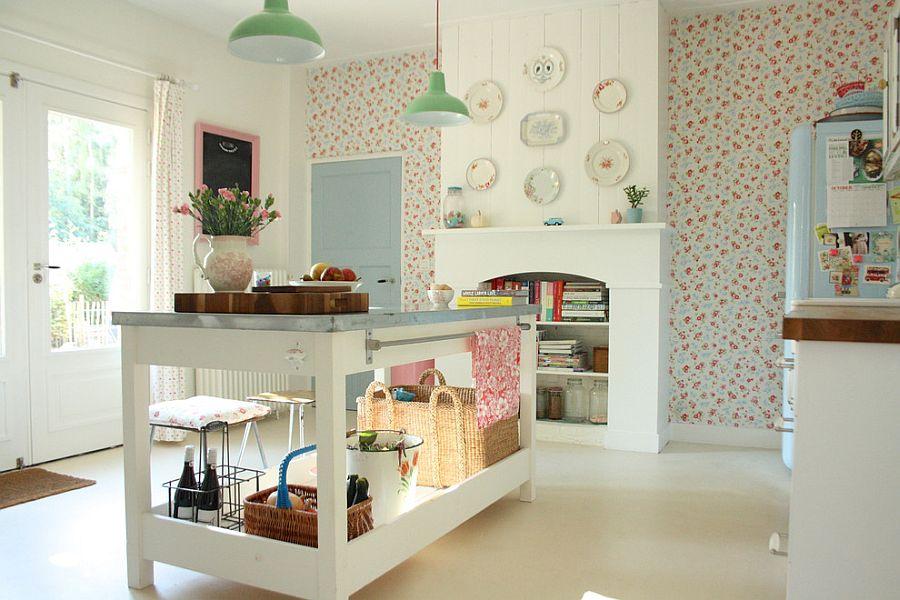 Стильный кухонный остров с открытыми полками в интерьере - Фото 37