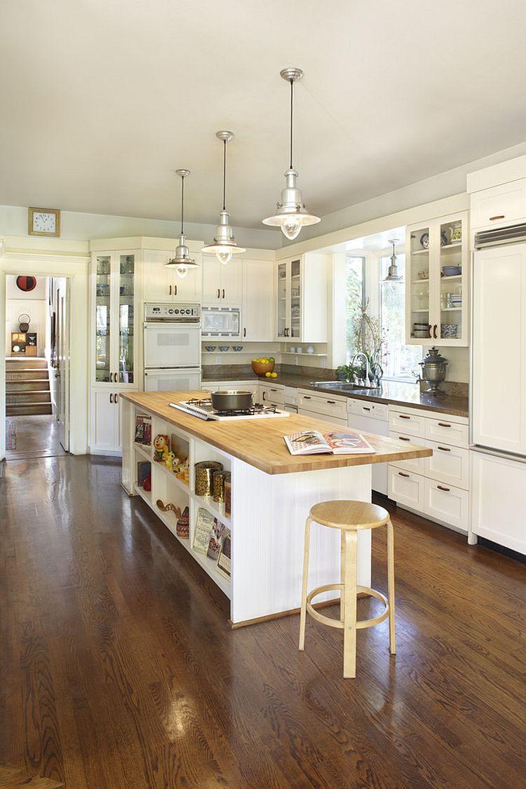 Стильный кухонный остров с открытыми полками в интерьере - Фото 46
