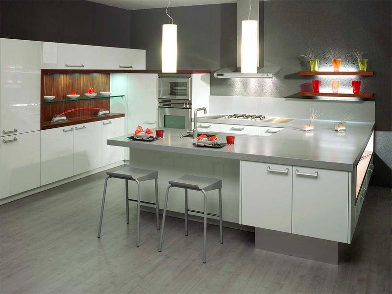Серо белая кухня