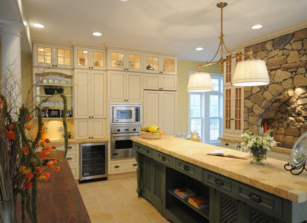 Керамическая плитка в оформлении столешницы кухонного острова