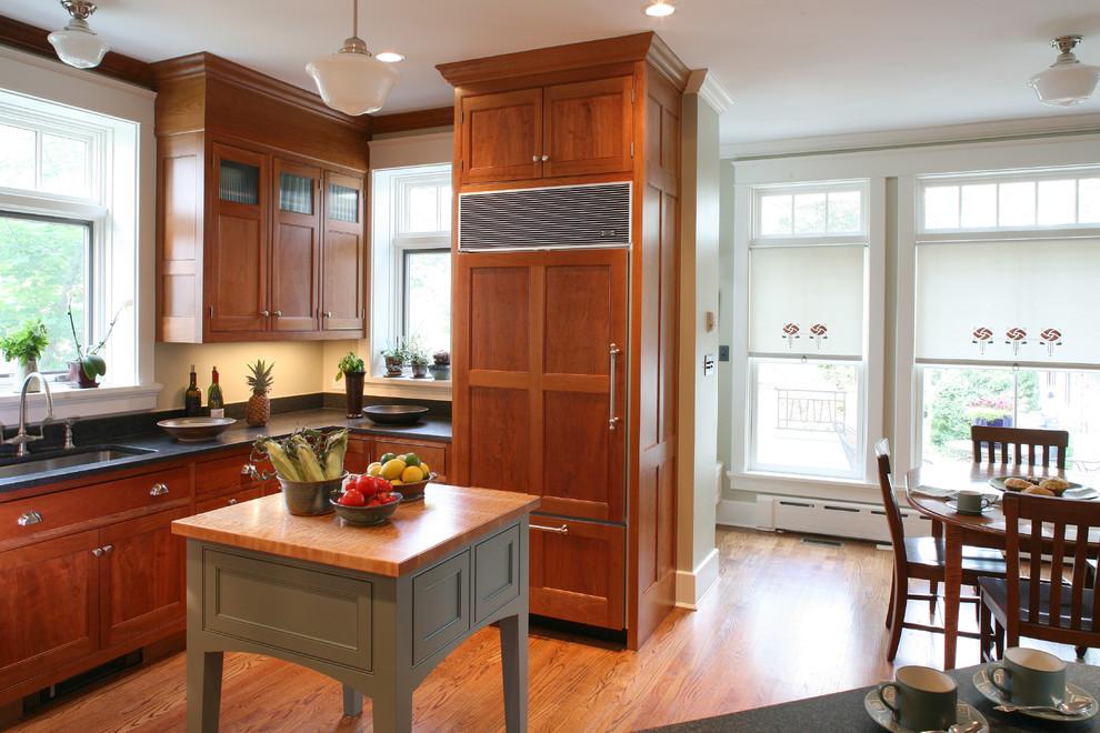 Столик для увеличения рабочей зоны кухни