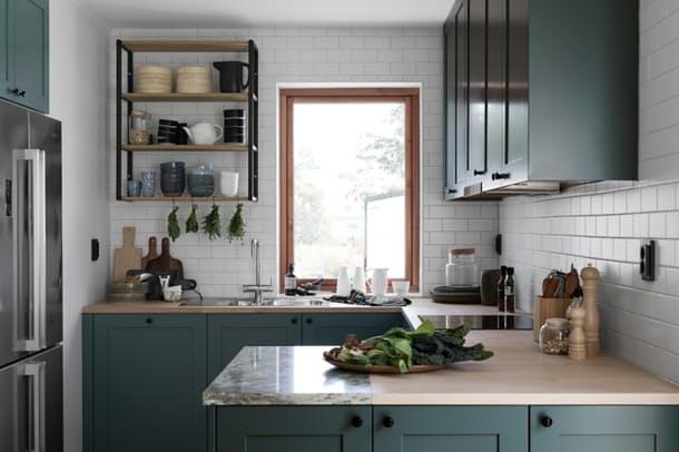 Столешницы в интерьере кухни: дерево и мрамор вместе
