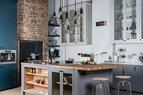 Столешницы в интерьере кухни: старая кирпичная кладка
