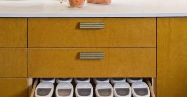 Выдвижной ящик с клнтейнерами для хранения сыпучих продуктов от Justrich Design