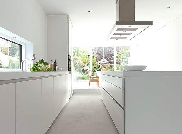 Потрясающий минималистский дизайн белой кухни Bulthaup B1