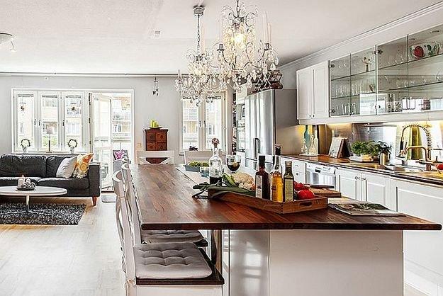 Интерьер роскошной кухни в скандинавском стиле