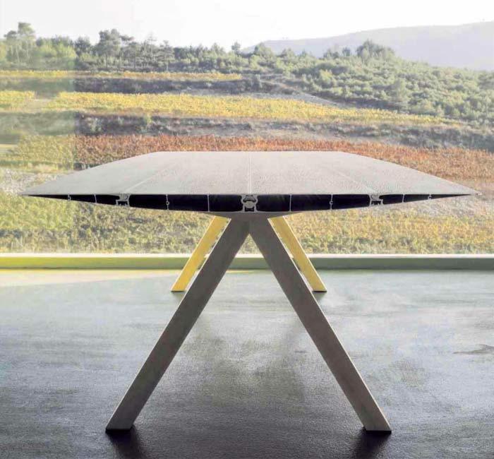 Необычный дизайн обеденного стола Table B  от Konstantin Grcic