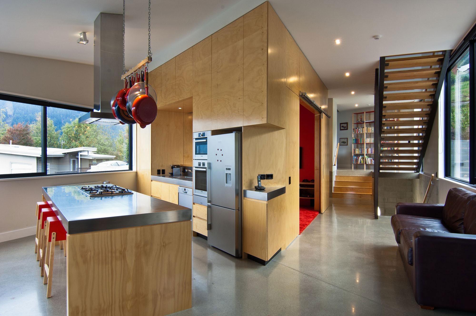 Тенденции в дизайне кухонь 2016 года - смешение дерева и металла