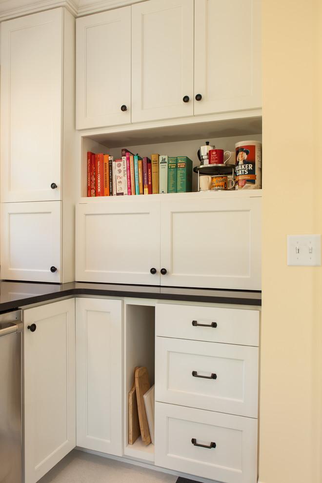 Классический дизайн интерьера кухни от Fiddlehead Design Group, LLC