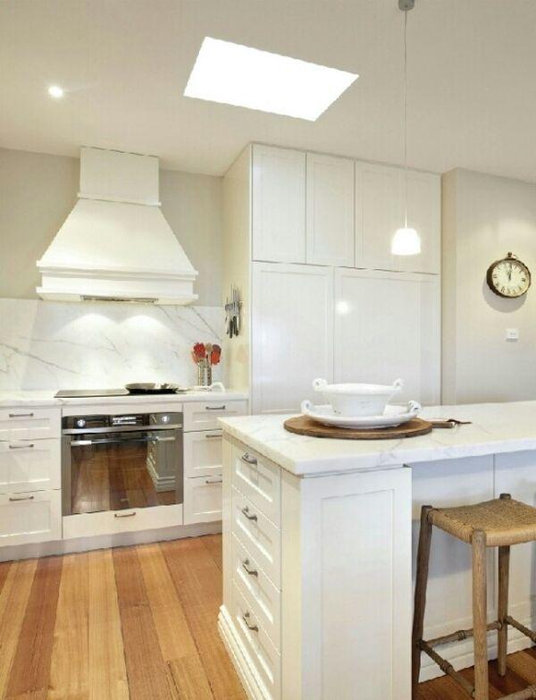 Мраморная столешница в интерьере кухни