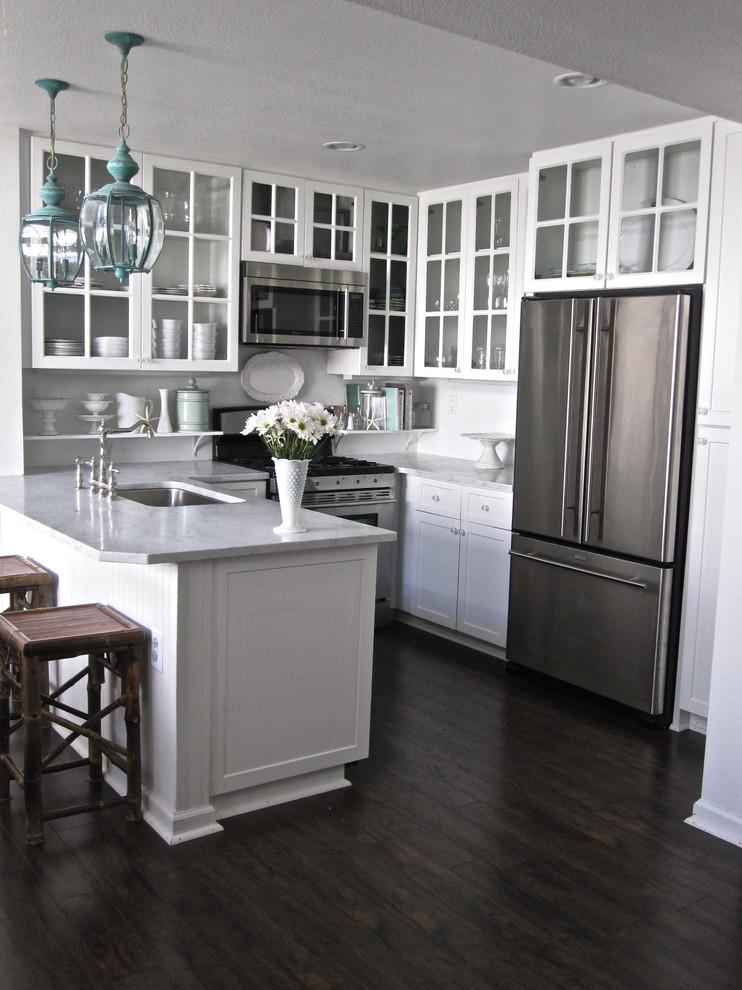 дизайн проходной кухни в частном доме фото же