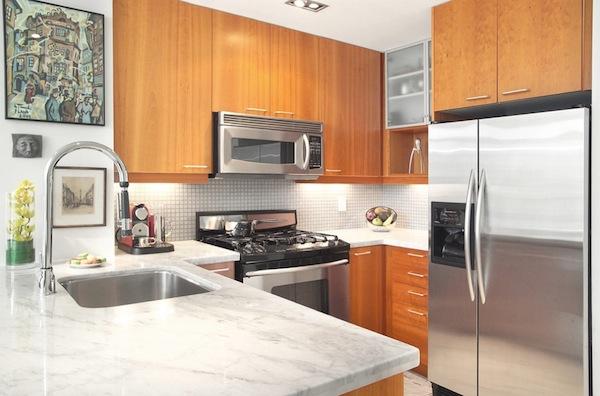 Люминесцентные лампы в интерьере кухни