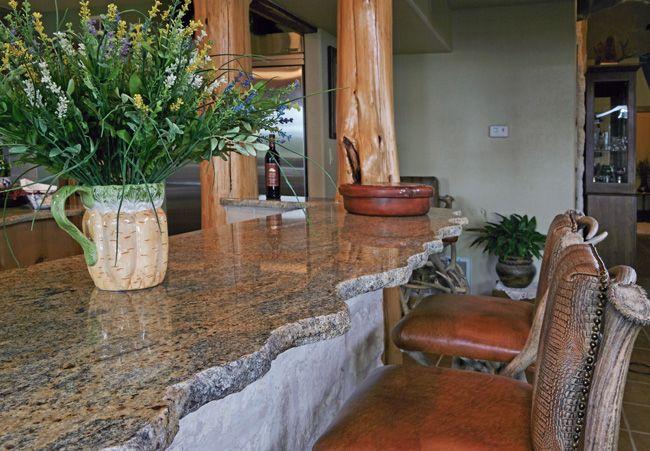 Уникальная модель современного кухонного острова с гранитной столешницей