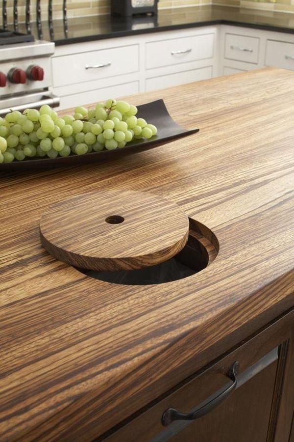 Функциональный кухонный стол из натурального дерева