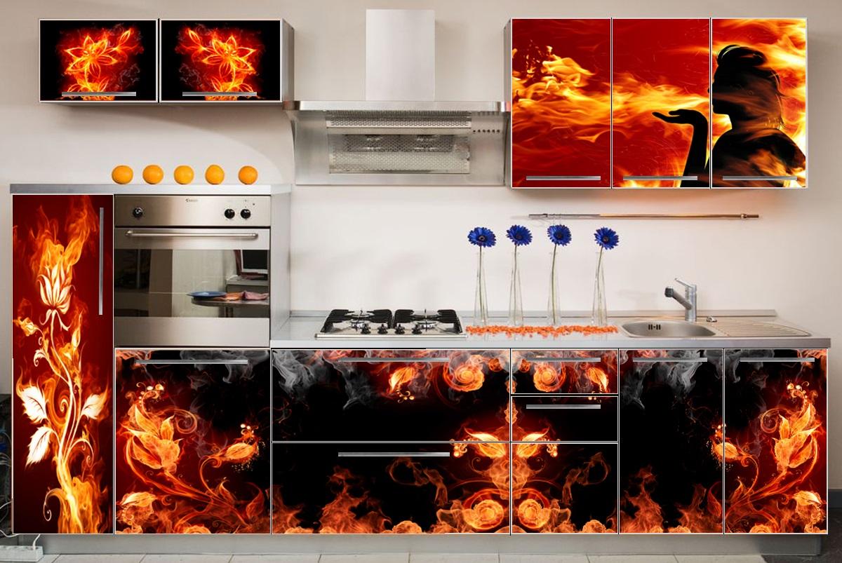 Кухонный гарнитур в красно-чёрной гамме с фотопечатью на фасаде
