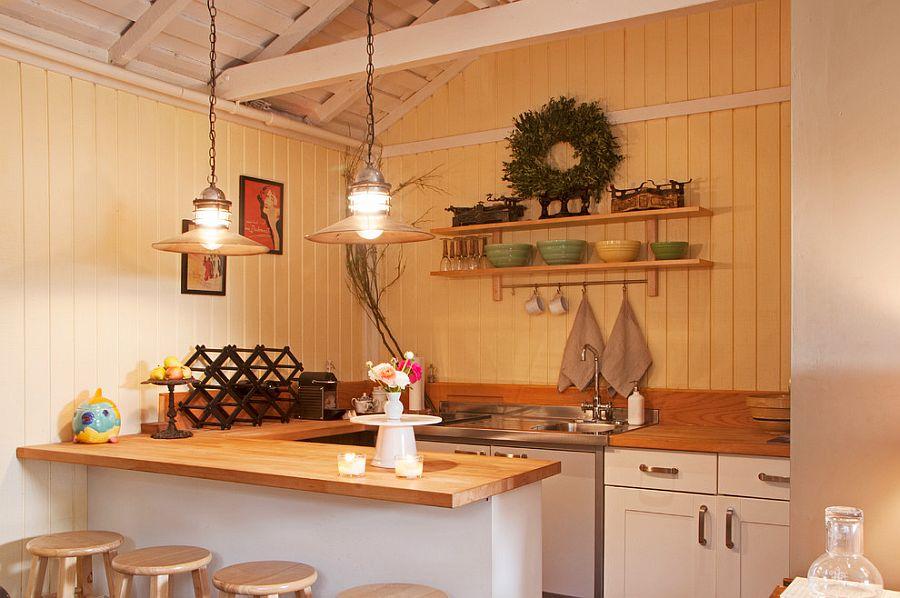 Уютный вариант интерьера кухни - Фото 24