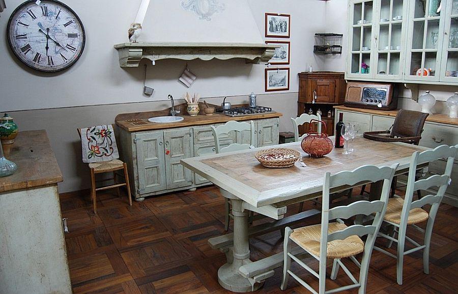 Уютный вариант интерьера кухни - Фото 27