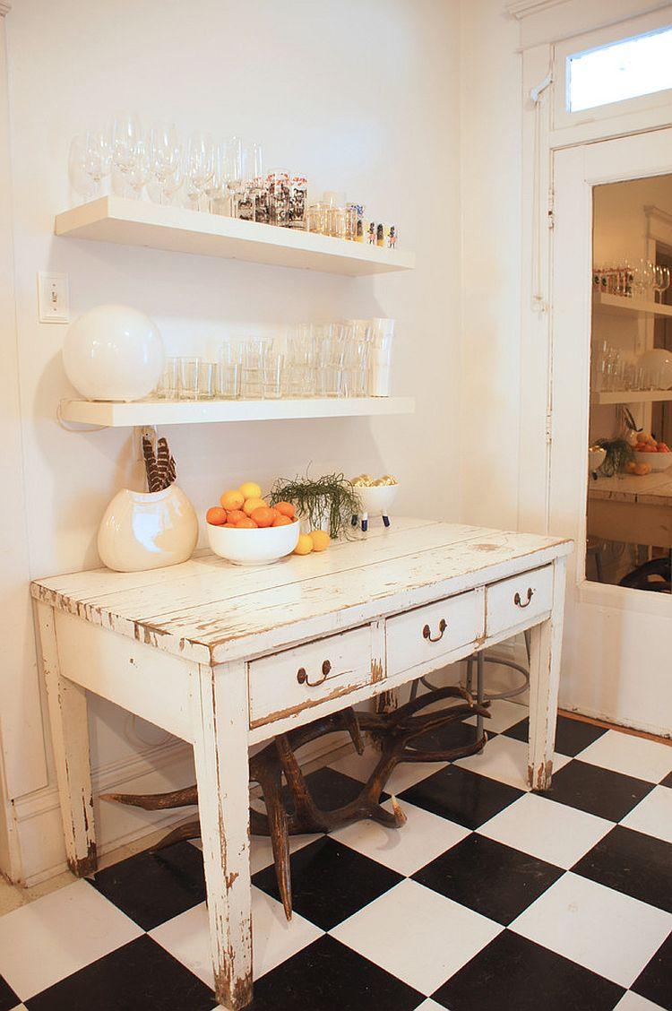 Уютный вариант интерьера кухни - Фото 31