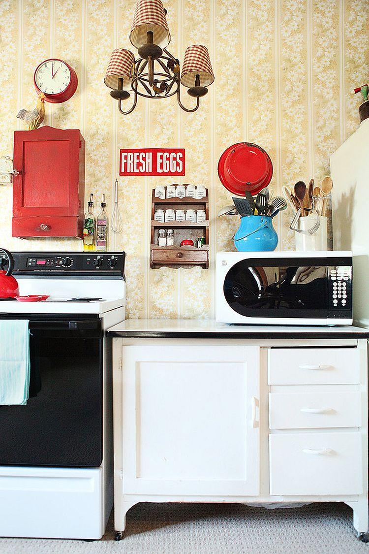 Уютный вариант интерьера кухни - Фото 33
