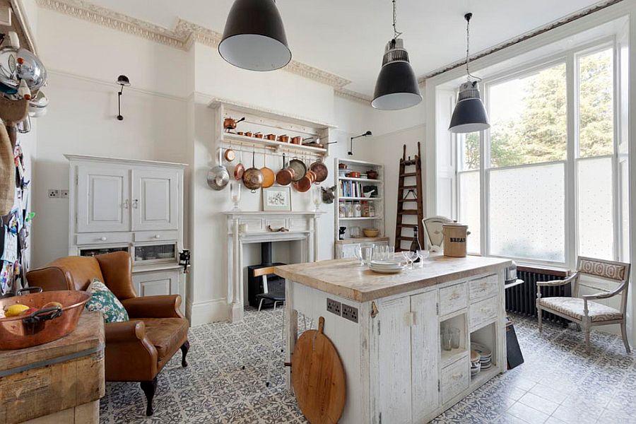 Уютный вариант интерьера кухни - Фото 15