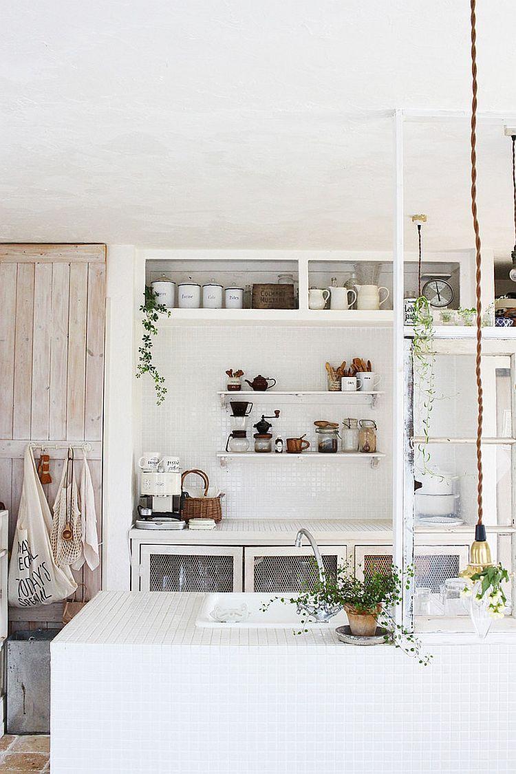 Уютный вариант интерьера кухни - Фото 19