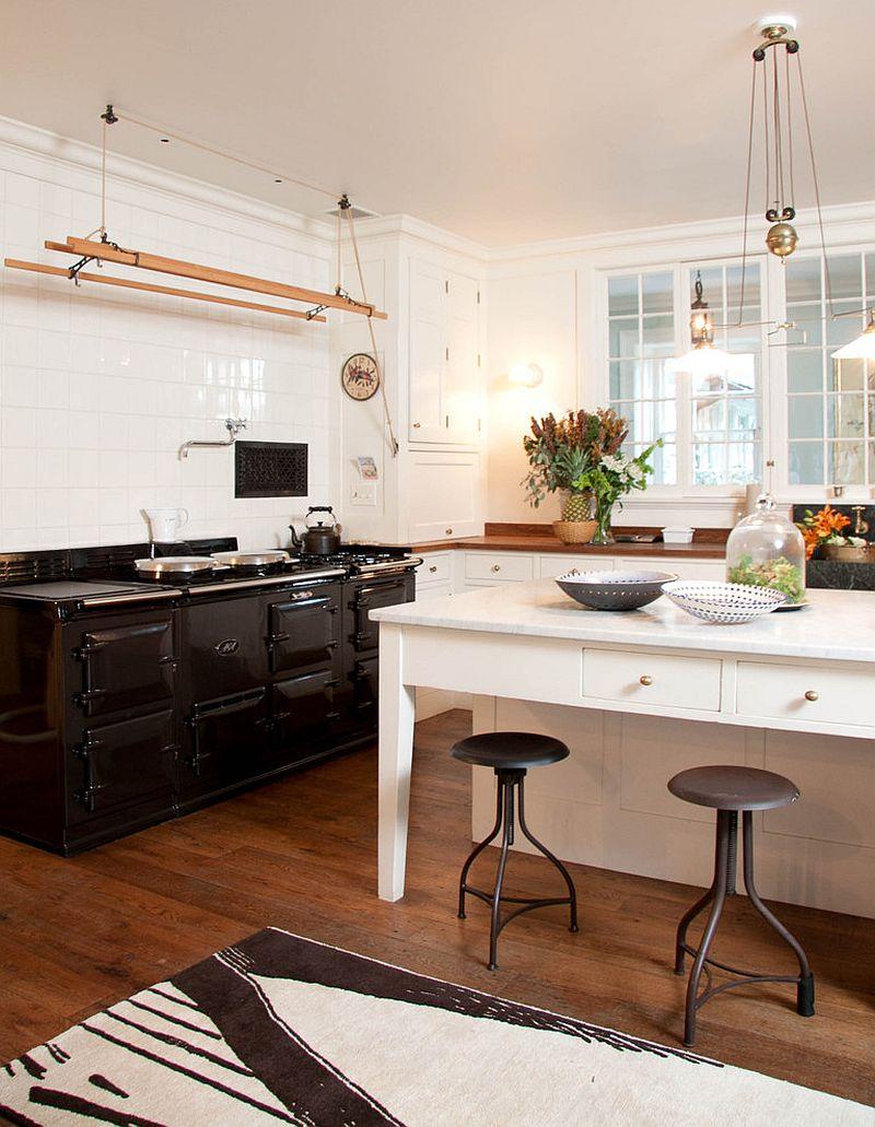 Уютный вариант интерьера кухни - Фото 41