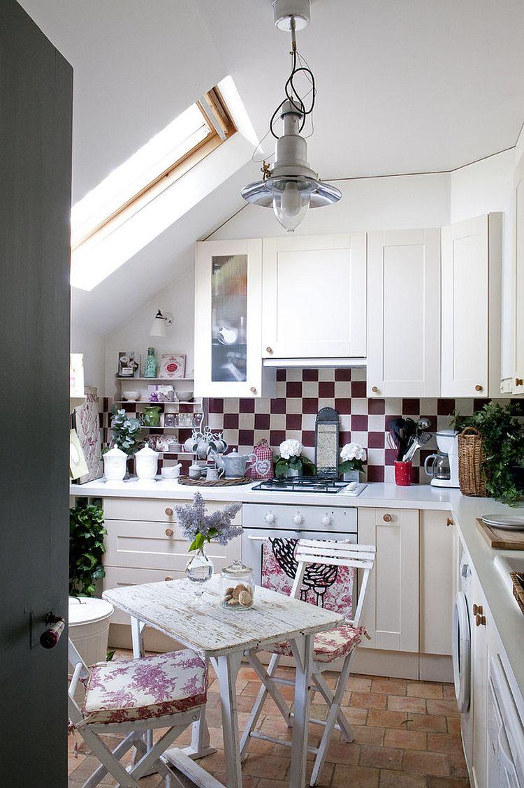 Уютный вариант интерьера кухни - Фото 21