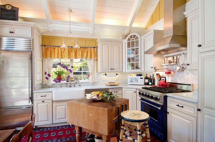 Уютный вариант интерьера кухни - Фото 22