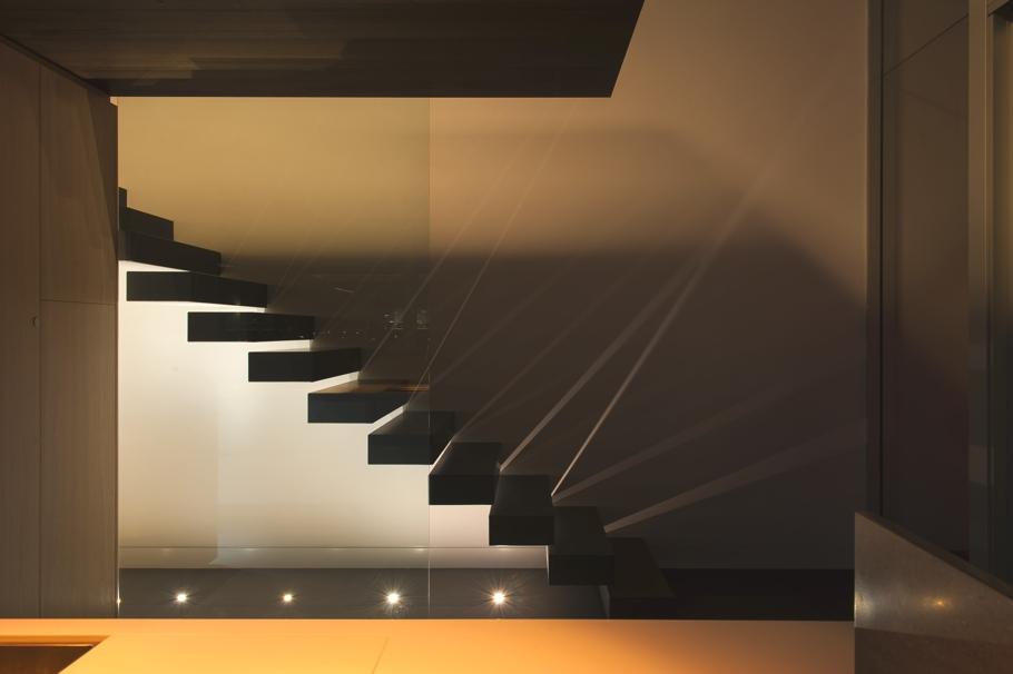 Подсветка лестницы от Sydney-based design studio