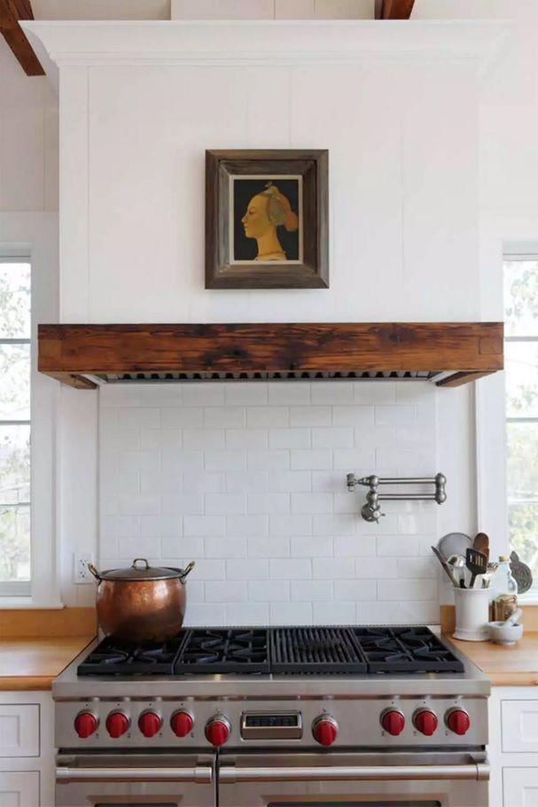 Виды кухонных вытяжек: встроенная модель - фото 1