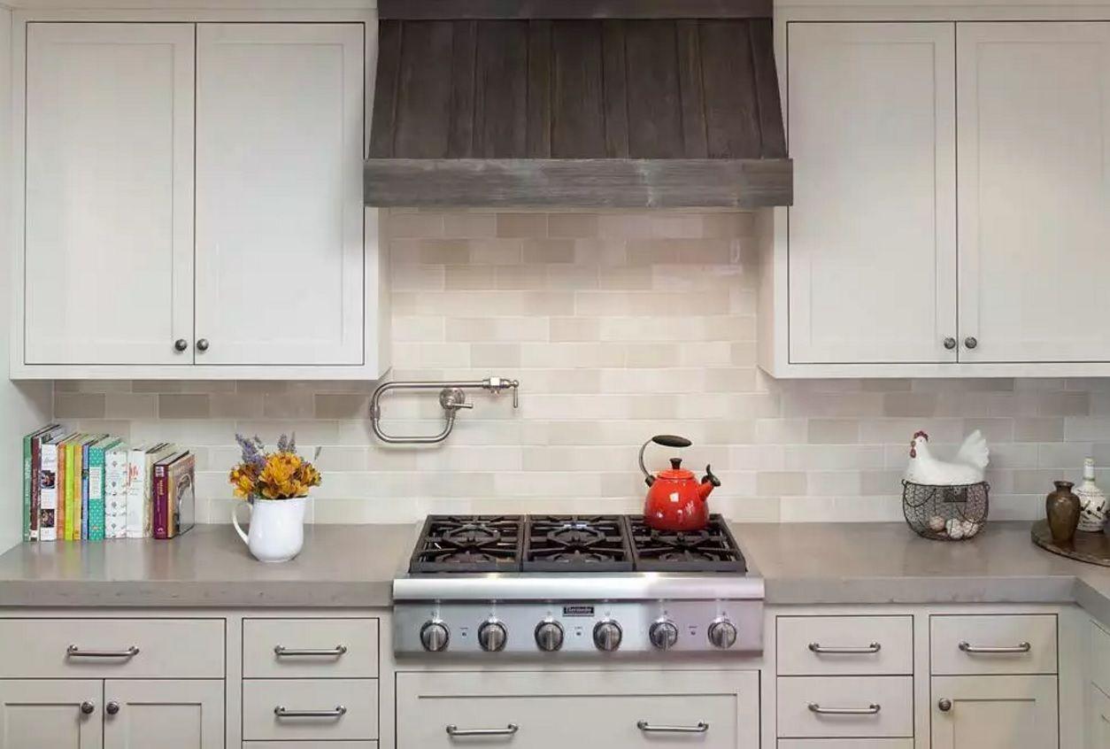 Виды кухонных вытяжек: встроенная модель - фото 2