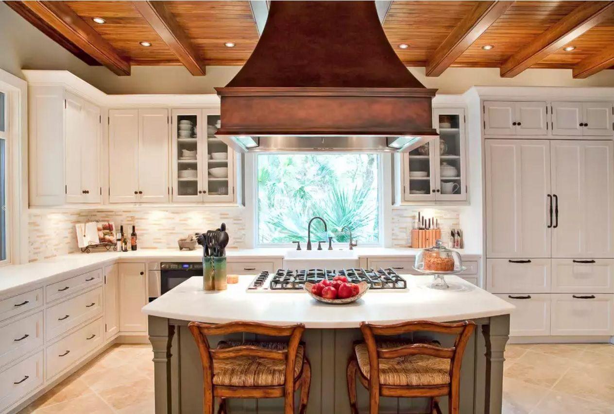 Виды кухонных вытяжек: купольные модели - фото 1