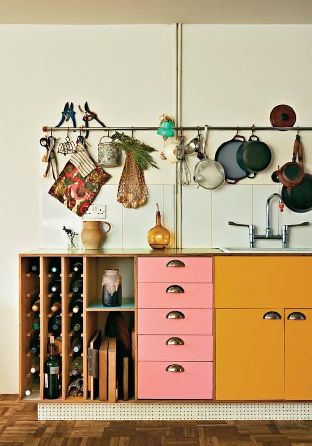 Винные шкафы для кухни - фото Pocket Witch