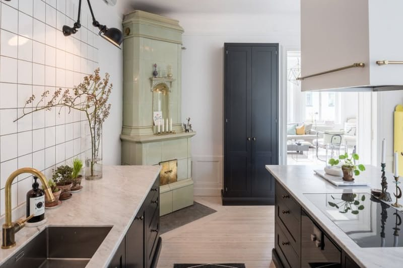 Скандинавский стиль в интерьере кухни: мраморные столешницы