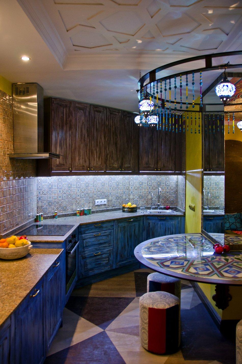 Мебель в восточном стиле на кухне