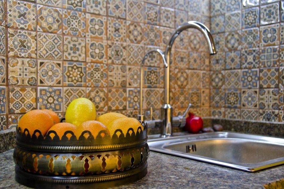 Кухонный фартук с орнаментом