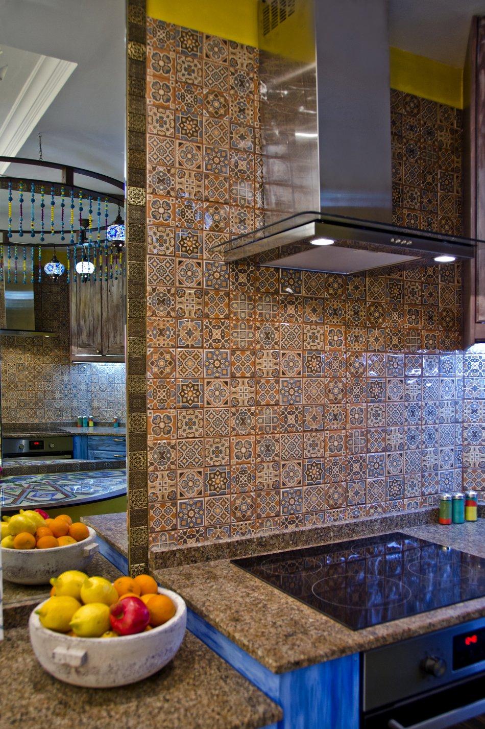 Кухонный фартук с восточным орнаментом