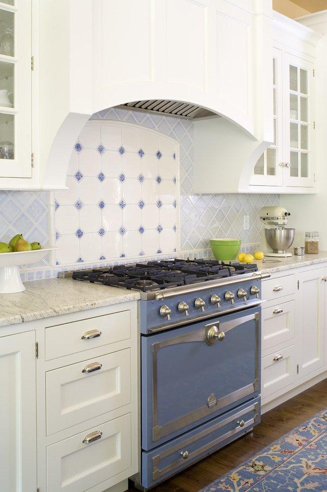 Домашний уют в оформлении классической кухни от Terri Rose