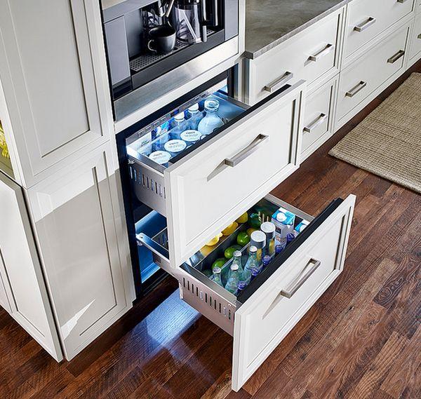 Конструкция холодильного ящика для хранения бутылок и фруктов