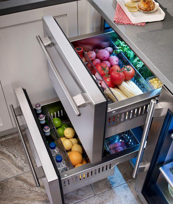 В холодильных ящиках можно хранить овощи и фрукты